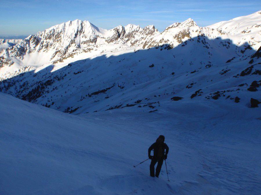 Le lendemain, après s'être fait choyer par Charly au refuge de Cougourde, le regel est bon pour monter au pied de la Cougourde.