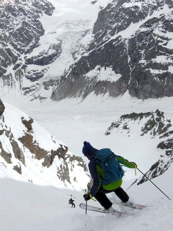 Bonne pioche: la neige est restée poudreuse! Les skis Elan vont pouvoir montrer tout leur potentiel!
