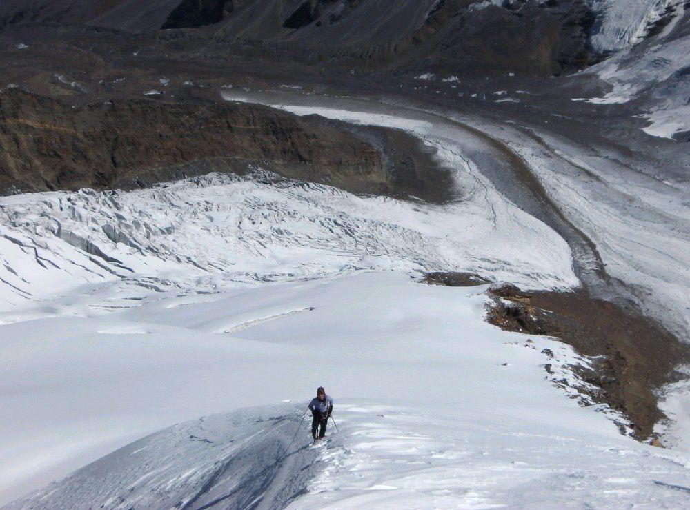 Nous passons 4 jours au dessus de 5000m permettant de monter sur une antécime du Gangotri III à plus de 6000m.