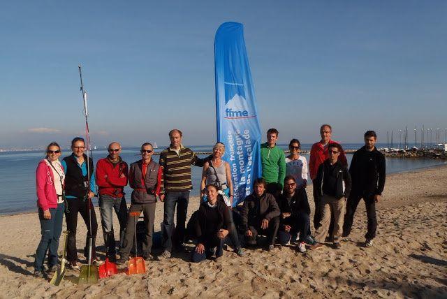 Journée d'entrainement à la recherche ARVA sur la plage à Antibes: merci à tous les participants pour leur bonne humeur.