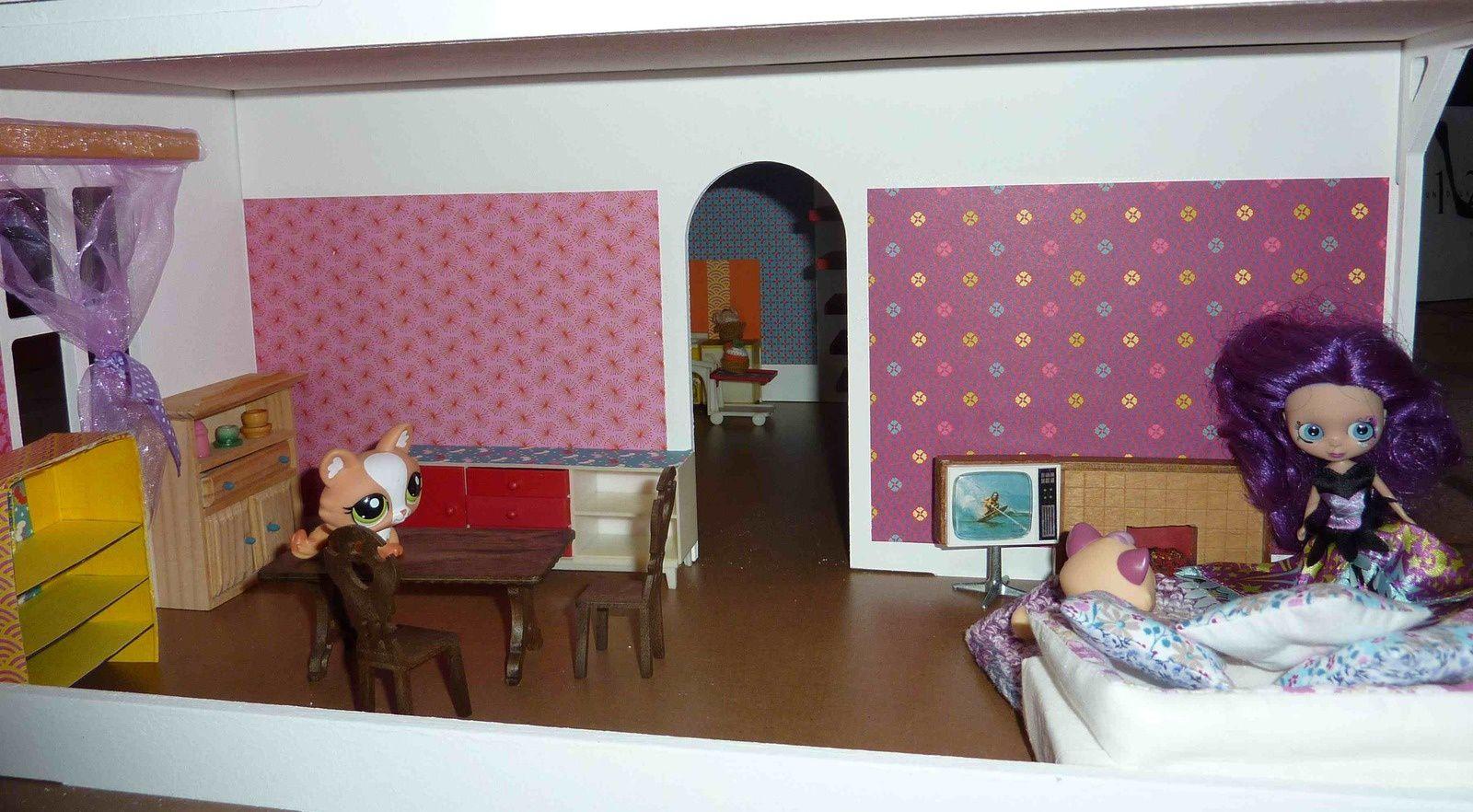 Et pour les meubles, un peu de tout : restauration J. W. Germany, Lundby...