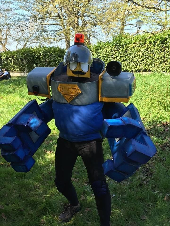 Parle-moi Cosplay #210 : Montra Cosplay