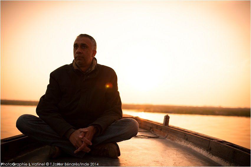 *PhotoGraphie L.Vatinel © T.ZoHer Benares/Inde 2014 - Fin d'une étape, début d'une autre -