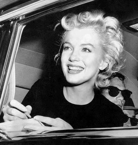 *Photo Source Internet - Marylin Monroe 1926 - 1962 -
