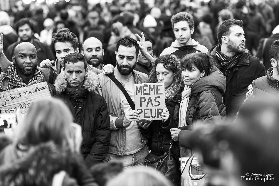 © Tahora Zoher PhotoGraphie -  Place de la république - #PrayForTheWorld