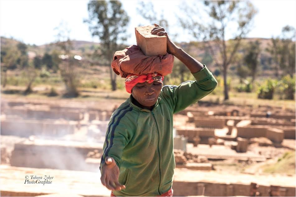 © Tahora Zoher PhotoGraphie - Madagascar / Route d'Ampefy 2015 -