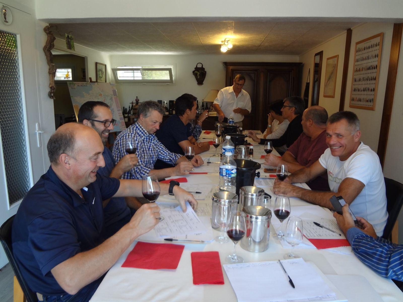VINO PASSION, Journée d'initiation à la dégustation et découverte des vins à Moidieu(38).