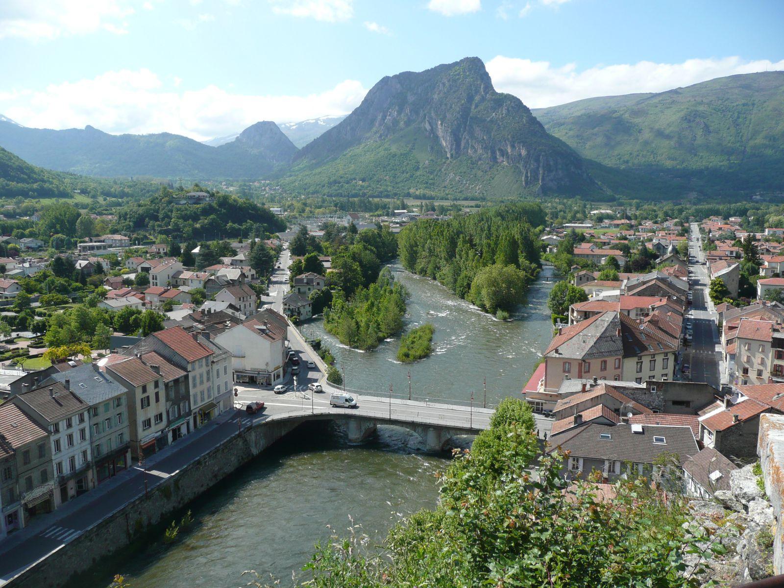 Vue de Tarascon depuis la tour Castella