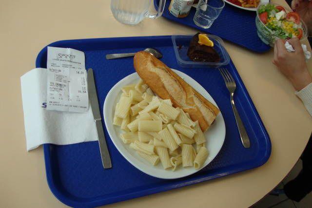 Déjeuner au self du lycée, le 12 avril 2013