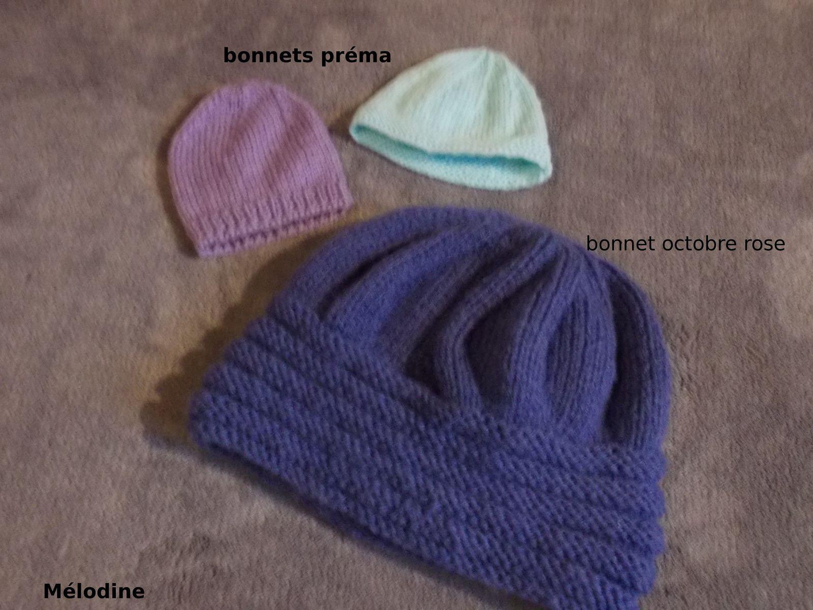 2 bonnets préma et 1 bonnet pour Octobre Rose de la part de Mélodine