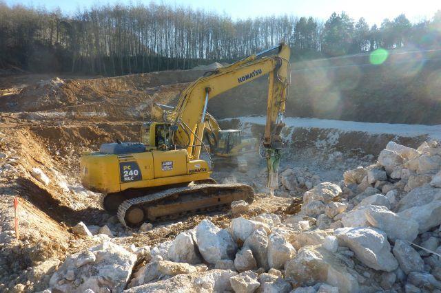 Le creusement du bassin de rétention des eaux pluviales