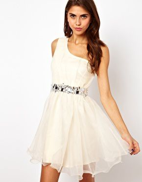 Sélection de robe de soirée sur ASOS!