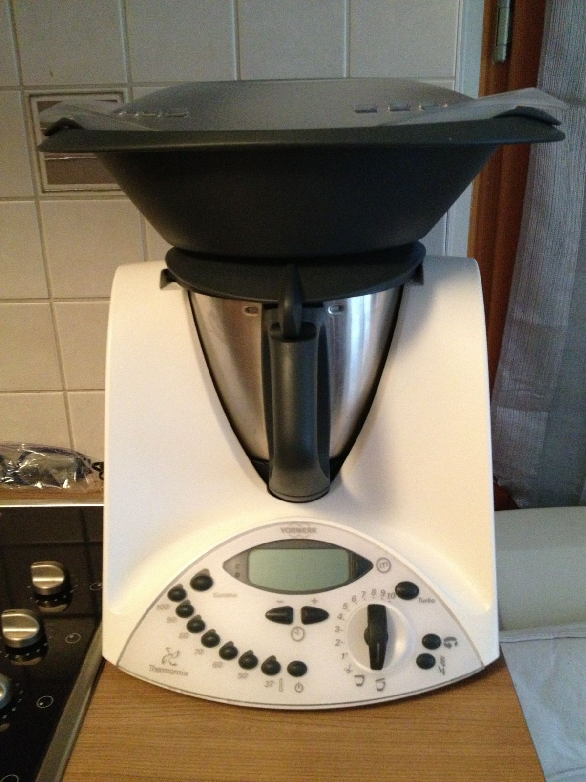 thermomix tm 31 de chez vorwerk cousine 39 s cake delphine hubert. Black Bedroom Furniture Sets. Home Design Ideas