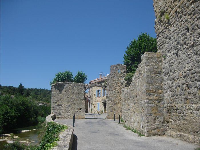 Village de Lagrasse et ses ruines