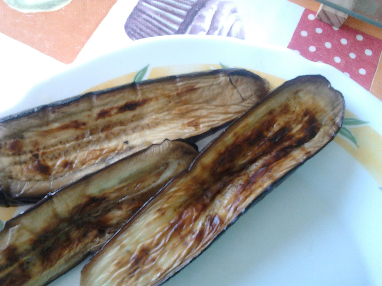 Aubergines grillées avec sauce au tahin