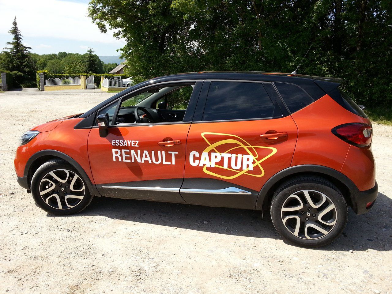 test renault captur dci 90 intens test auto. Black Bedroom Furniture Sets. Home Design Ideas