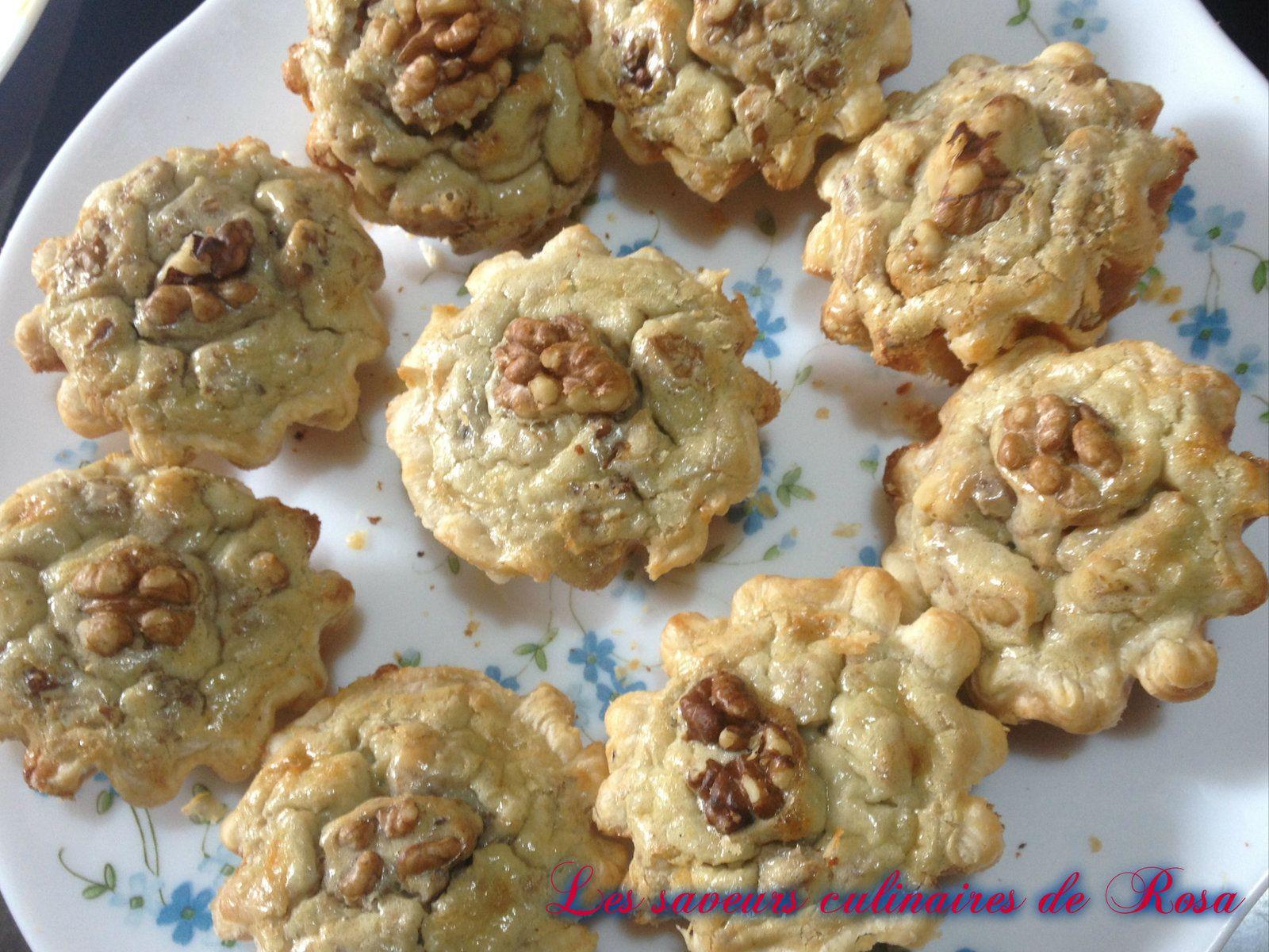 Mini tartelettes au roquefort et aux noix