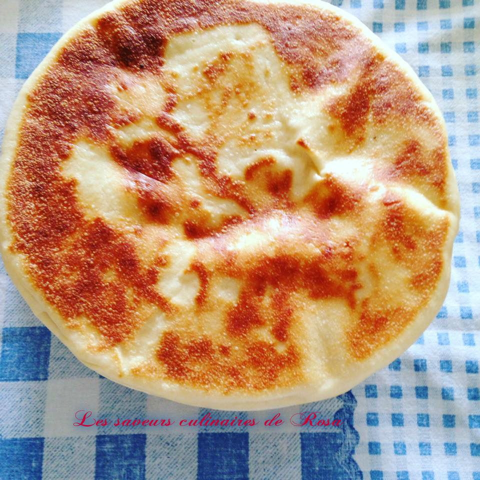 Kesra khmira (matlou3 ou pain de tajine)