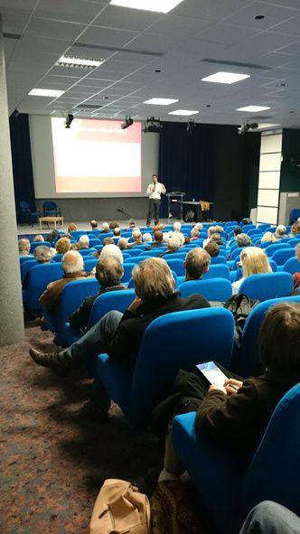 Photos prises pendant la conférence de David Wilgenbus.