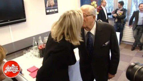 Les Le Pen père et fille mettent en scène leur &quot&#x3B;dispute&quot&#x3B;