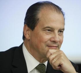 Jean-Christophe Cambadélis : «Sarkozy ira le plus loin possible dans le tutoiement du FN pour battre Juppé»