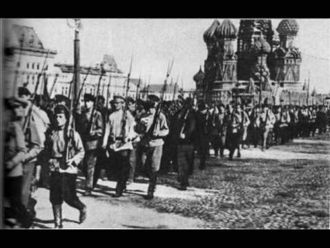 Le régiment révolutionnaire de Varsovie à Moscou