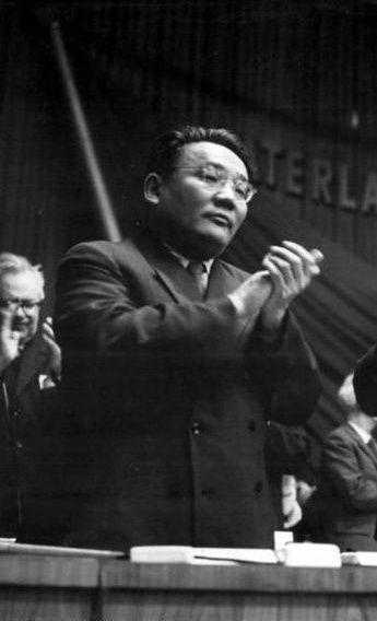 Tsedenbal le successeur de Choybalsan en 1952.