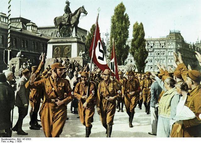 Horst Wessel et son escouade de SA à Nuremberg