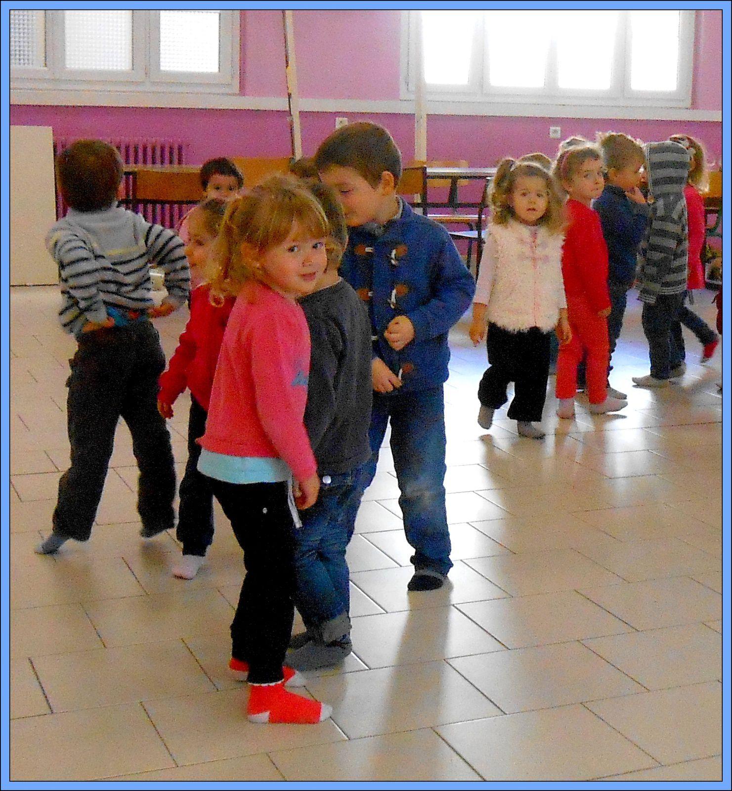 &quot&#x3B;Corps et danse&quot&#x3B;, le pied et la main (suite)   (TPS et PS)