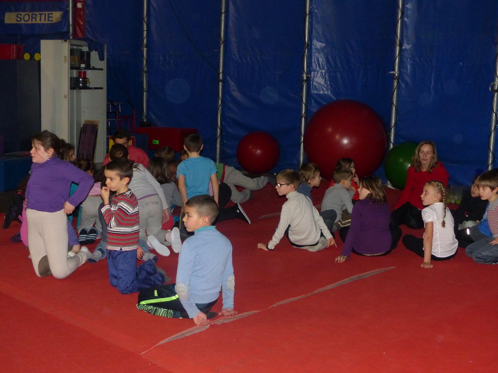 Cirque Gruss...2ème groupe (CE2 et quelques CE1)