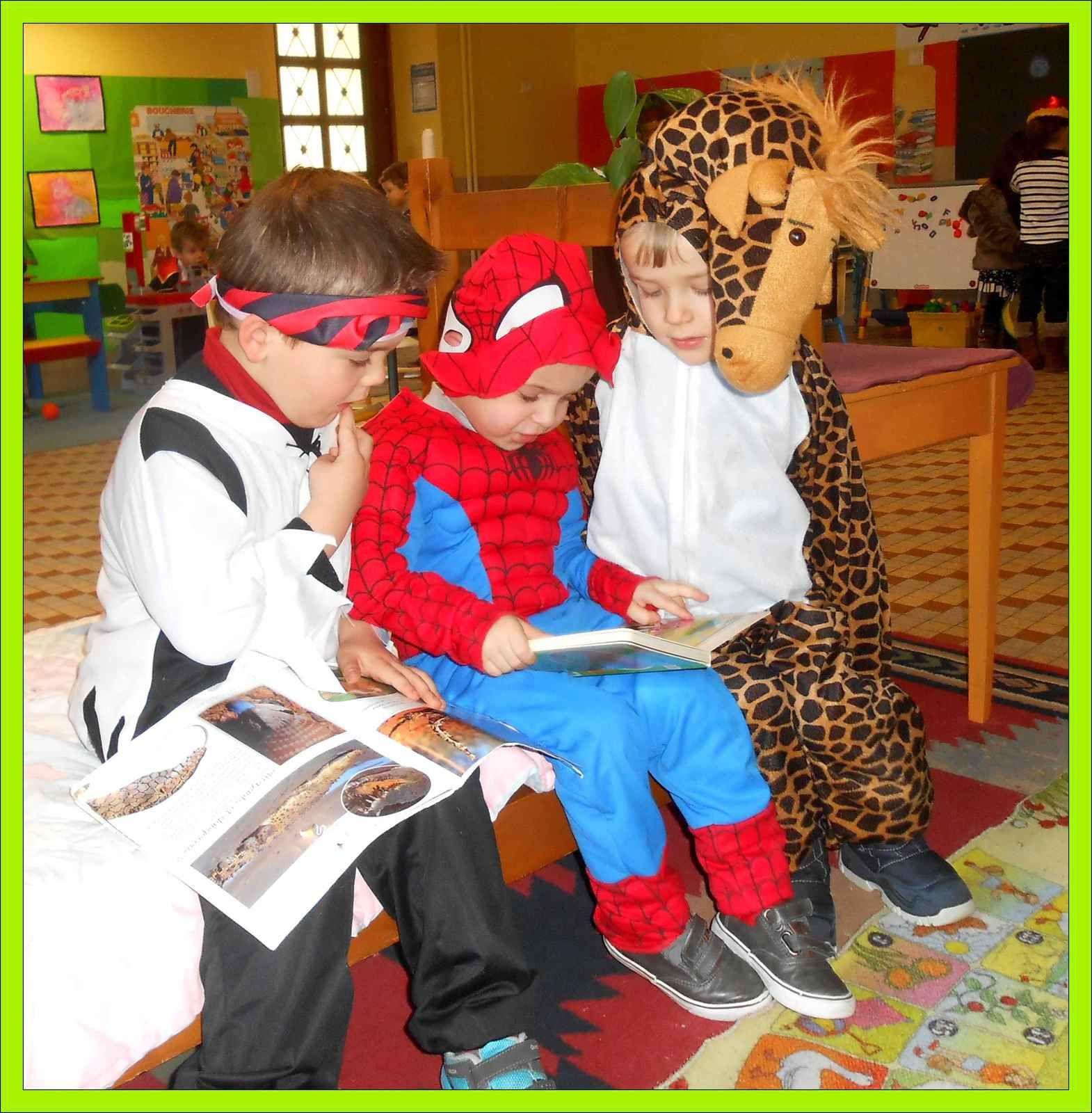 super-héros , robots et girafes ...