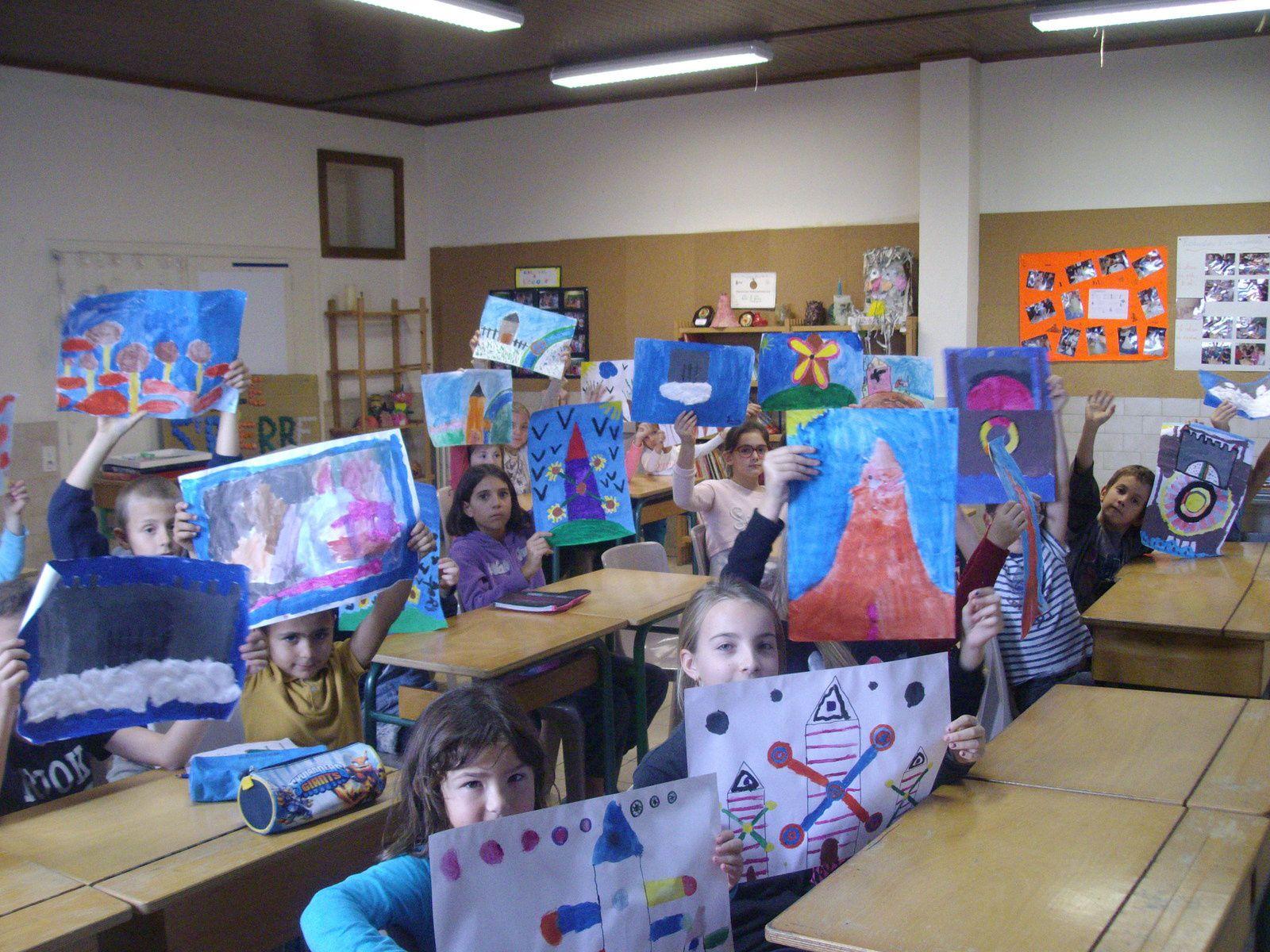 Et voici nos oeuvres terminées!!! Châteaux, forêts et moulins magiques!!!!!