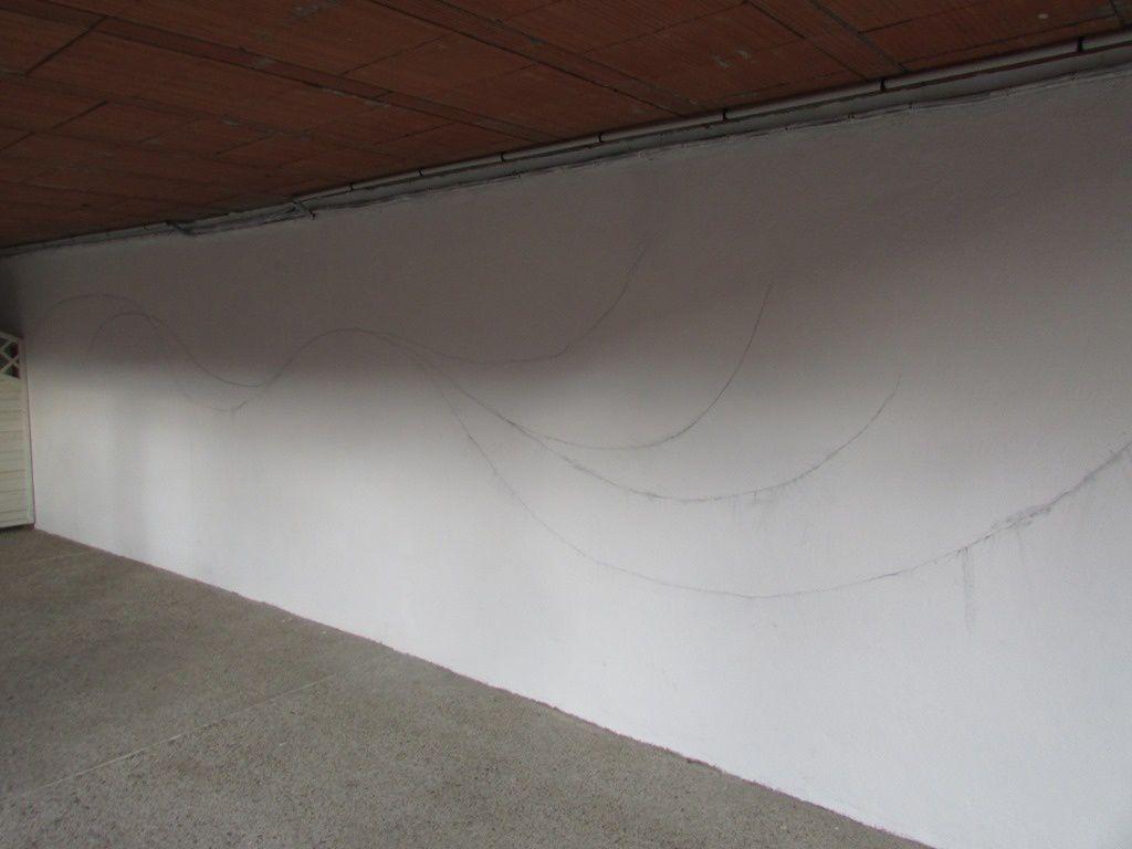 Atelier arts plastiques (fresque sur un mur de la cour) avec l'aide de Mme Driffort, enseignante à l'école des Beaux-Arts de Villeneuve sur Lot