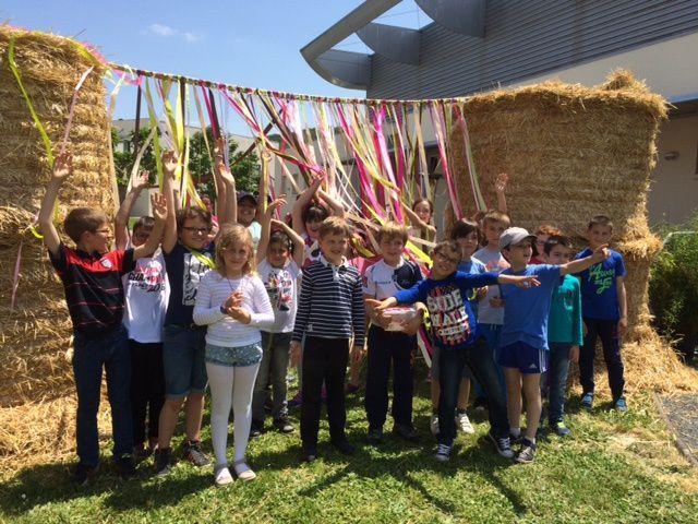 Visite de l'animalerie du lycée L'Oustal par les CE2