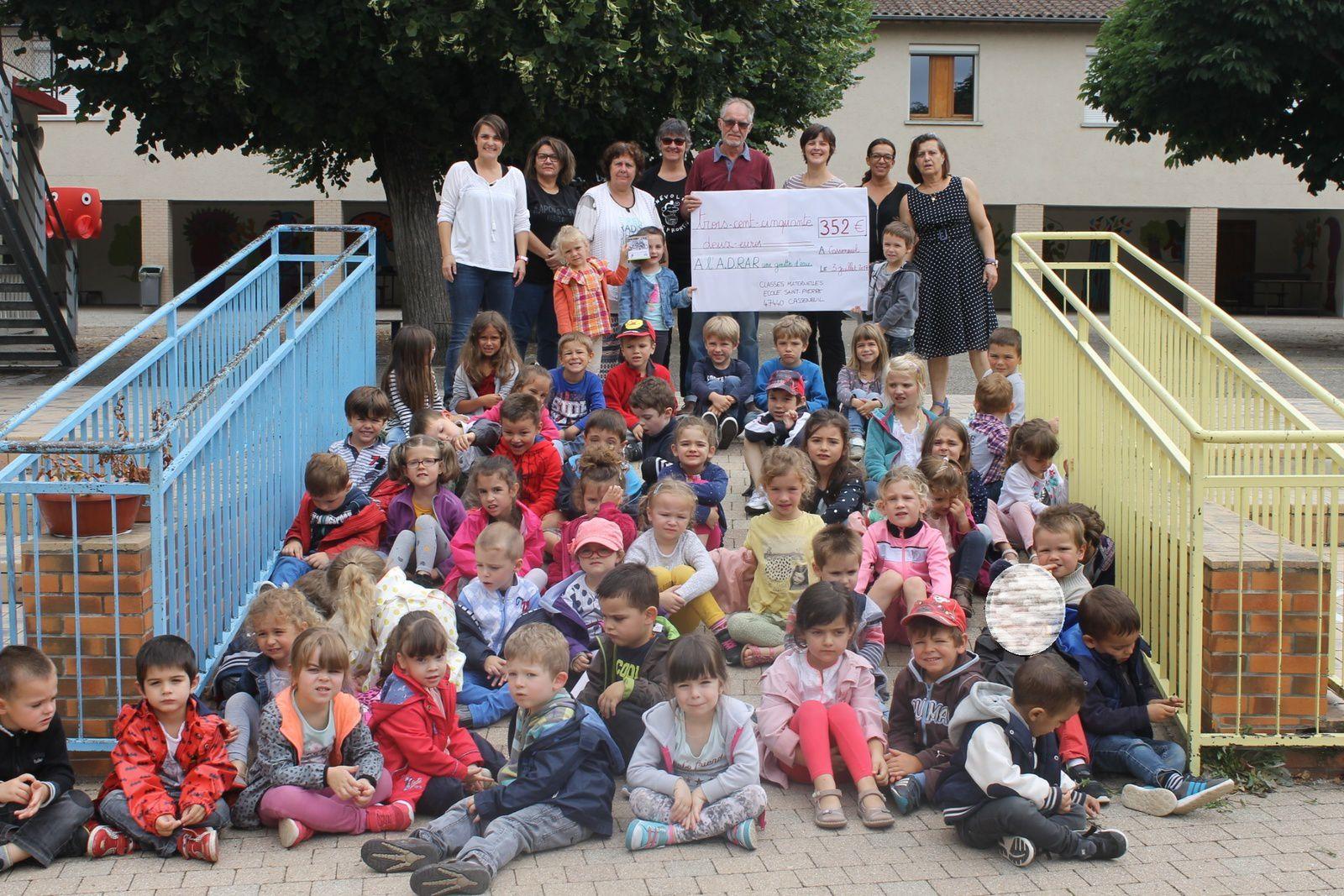 Enfants et équipe de la maternelle sont très fiers! Et les bénévoles très contents!