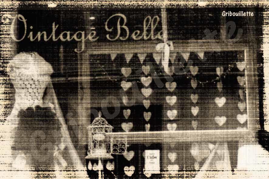 """1 semaine/1 image_sujet#7_Coeur_Vitrine de la boutique """"Vintage Belle"""" à La Gacilly"""