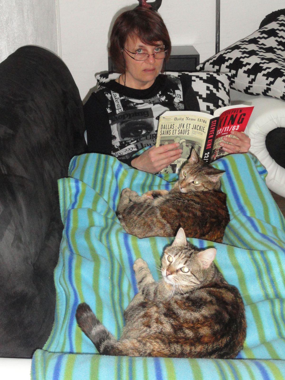 Puis un peu de lecture bien au chaud. ( Le dernier Stephen King est super !!! )
