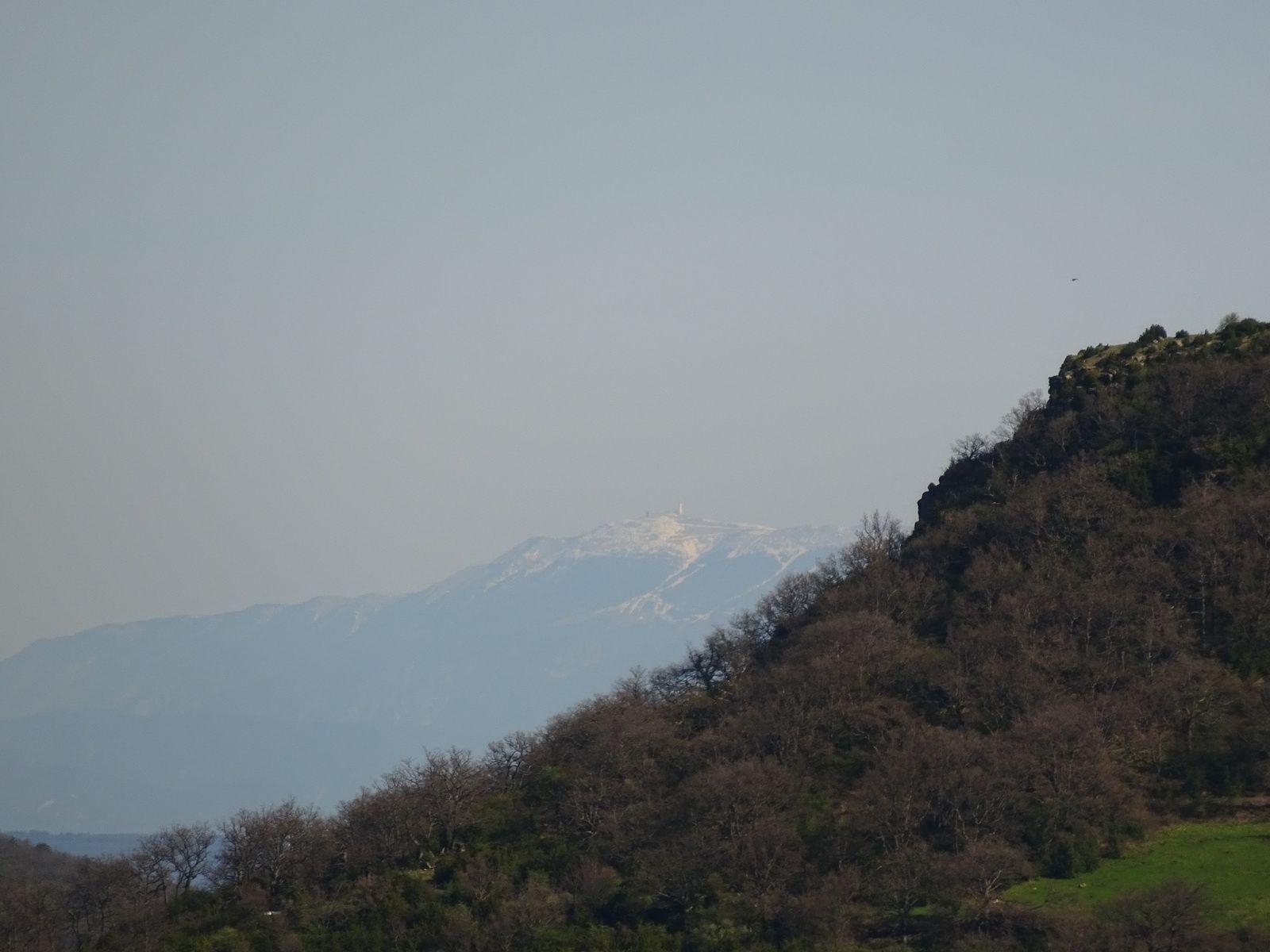 Il paraît que c'est le mont Ventoux.
