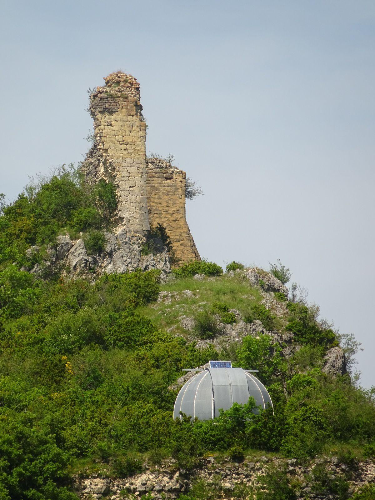 Les ruines du château de Rochefort.