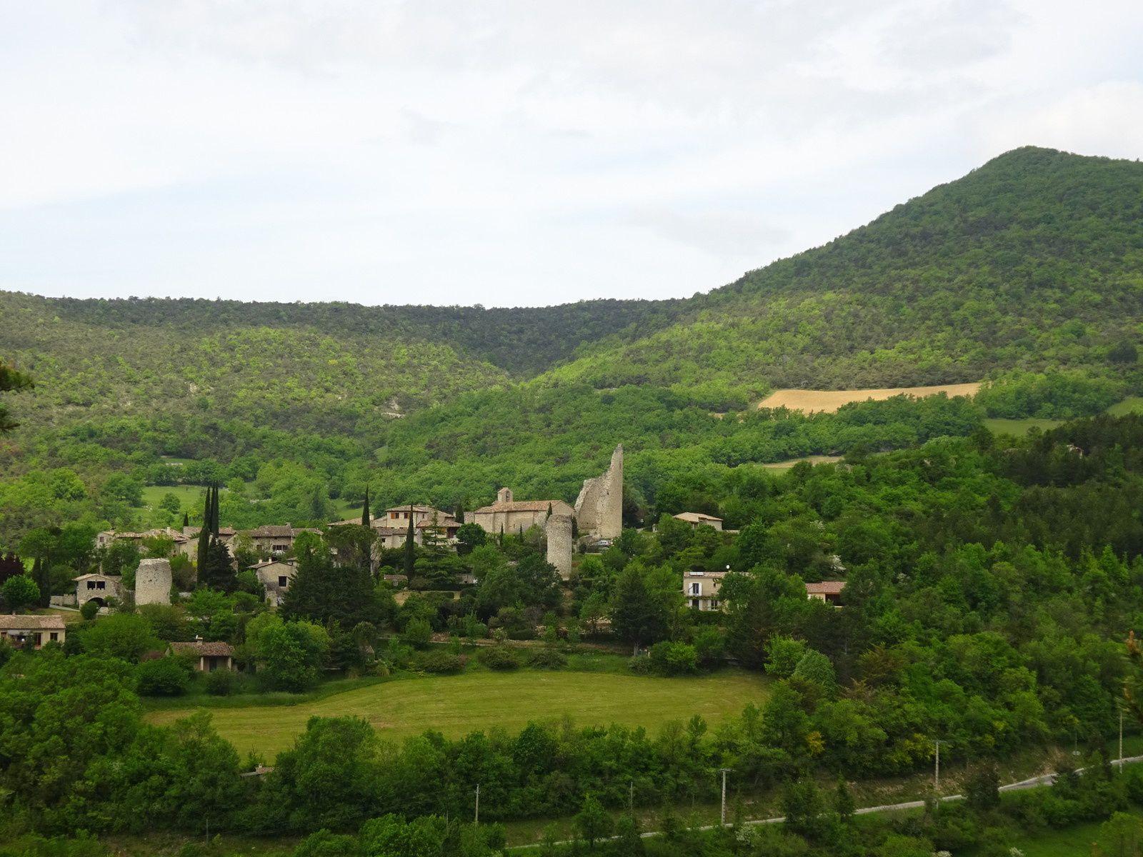 Le magnifique petit village de Cobonne.
