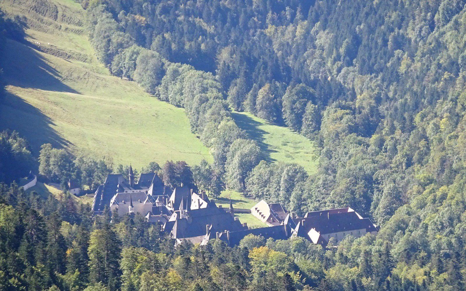 Vue sur le monastère de la Grande Chartreuse.