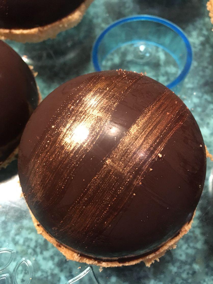 Domes au chocolat poudre d or