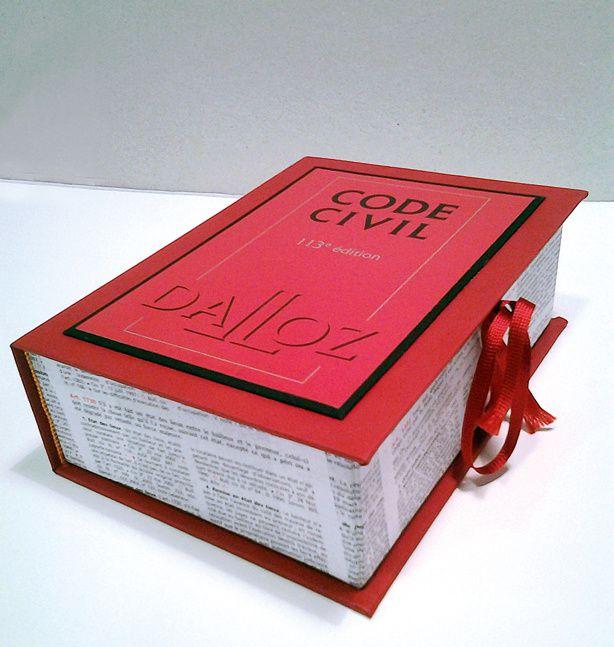 """Isabelle a bien réussi cette boite """"clin d'oeil"""" à son amie juge."""