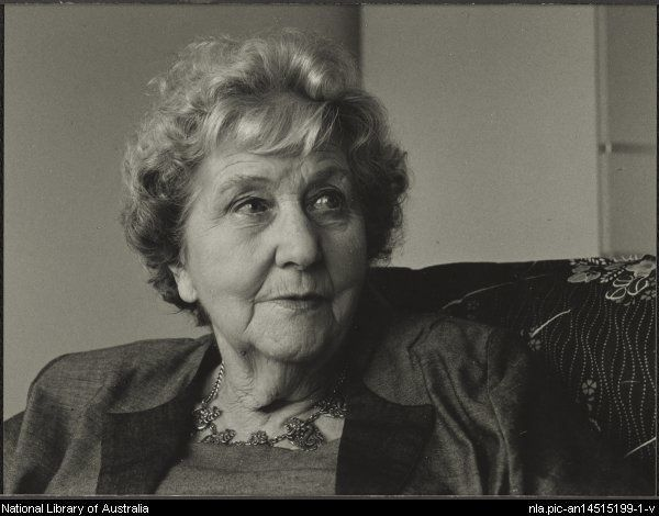 Betty Roland en 1992 - http://www.nla.gov.au/apps/cdview/?pi=nla.pic-an14515199-1 -