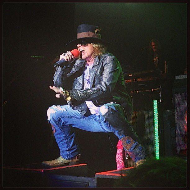 Guns N' Roses- Live At Sound Academy