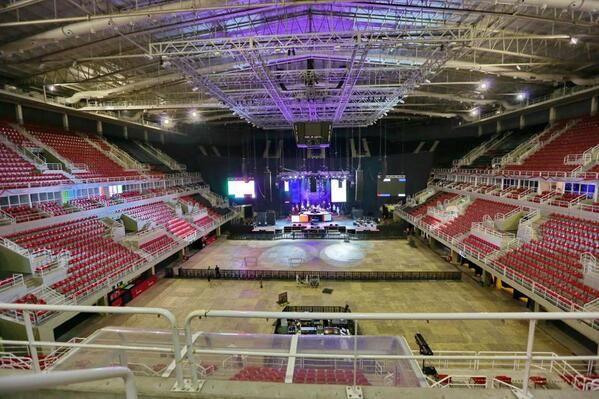 Guns N' Roses- Live At HSBC Arena