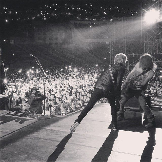 Guns N' Roses- Live At Estadio Hernando Siles