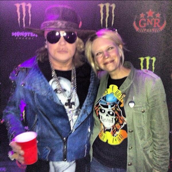Guns N' Roses- Live At Rock On The Range
