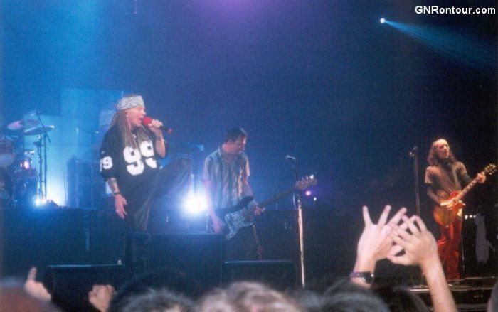 Guns N' Roses- Live In China