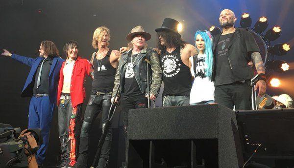 Guns N' Roses- Live At T-Mobile Arena